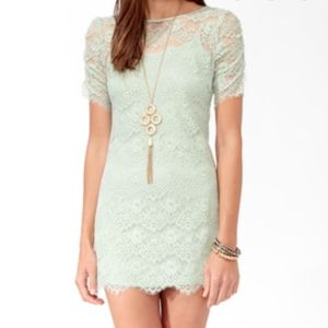 Forever 21 Lace Overlay Ruched Short Sleeved Dress